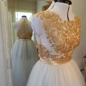 arany zsinórozásos menyasszonyi ruha, Esküvő, Ruha, Menyasszonyi ruha, Varrás, Aranyszínű csipkével készült,kézzel varrott,tüllszoknyás menyasszonyi ruha., Meska