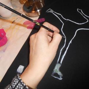 Műkorcsolya táncos kézzel festett póló rendelő által biztosított alapra (Fiffancsi) - Meska.hu
