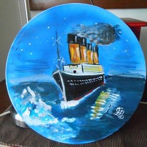 Titanic kézzel festett egyedi bakelit lemez, Dekoráció, Otthon & lakás, Kép, Képzőművészet, Festmény, Festészet, Festett tárgyak, Egy történet ami sosem lesz lejárt lemez.  Nagyon sokan szeretik , nagyon sokakat megmozgatott és me..., Meska