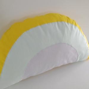 Szivárvány párna - Unisex színű szivárvány - pasztell színű - szivárványos párna - szivárvány forma párna, Otthon & lakás, Dekoráció, Lakberendezés, Lakástextil, Párna, Gyerek & játék, Gyerekszoba, Varrás, Világos pasztell színekben készítettem ezt a szivárvány párnát.  Unisex, fiú és lány szoba dísze is ..., Meska