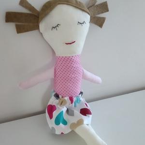 Öltöztetős baba - öltöztethető baba - levehető szoknyás copfos baba - kézműves rongybaba - textil baba - barna hajú baba, Gyerek & játék, Játék, Baba, babaház, Plüssállat, rongyjáték, Baba-és bábkészítés, 32 cm magas, puha textil baba, levehető szoknyákkal. \nPamut vászon anyagból készült, arca kézzel hím..., Meska