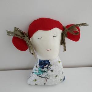 Pipacs a vörös hajú kislány baba - copfos baba - rongybaba - kézműves textil baba figura - párnababa -baba formájú párna, Játék & Gyerek, Baba, Baba & babaház, Egyedi, kézműves textil baba. Csak egyetlen egy készült belőle. 25 cm magas, puha textil baba. Pamut..., Meska