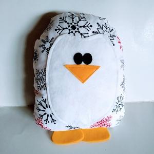 Pingvin párna - pingvin formájú párna - pingvin forma párna - figura párna - pingvin alakú párna - pingvines , Játék & Gyerek, Plüssállat & Játékfigura, Más figura, Varrás, Pamutvászon anyagból készült a pingvin párna, eleje és lábai filc felhasználásával. Puha poliészterr..., Meska