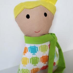 Fiú baba levehető sállal - rongybaba - Szőke hajú textil baba - puha kézműves baba - kisfiú párnababa - játékbaba , Játék & Gyerek, Baba & babaház, Öltöztethető baba, Baba-és bábkészítés, 23 cm magas, puha textil fiú baba. Ruhája pamut vászon anyagból készült. Szeme, haja filc, szája kéz..., Meska