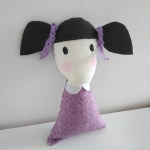 Copfos baba - rongybaba - puha textil baba - Santoro Gorjuss stílusú baba- kézműves fekete hajú kislány baba, Baba, Baba & babaház, Játék & Gyerek, Baba-és bábkészítés, 22 cm magas, puha textil baba. Ruhája Santoro design pamut vászon anyagból készült. Szeme, haja filc..., Meska
