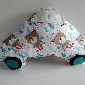 Autó formájú párna - síelő macis autó párna - Autós díszpárna - Autó párna - Textiljáték - Textilfigura - téli autó, Játék & Gyerek, Plüssállat & Játékfigura, Autó & Motor, Varrás, Puha, ölelgetni való párnát készítettem babáknak, gyerekeknek. Pamutvászon anyagból készült, filc ap..., Meska