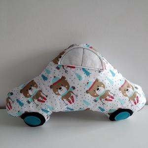 Autó formájú párna - síelő macis autó párna - Autós díszpárna - Textiljáték - Textilfigura - mackó mintás gyerek párna, Játék & Gyerek, Plüssállat & Játékfigura, Autó & Motor, Varrás, Puha, ölelgetni való párnát készítettem babáknak, gyerekeknek. Pamutvászon anyagból készült, filc ap..., Meska