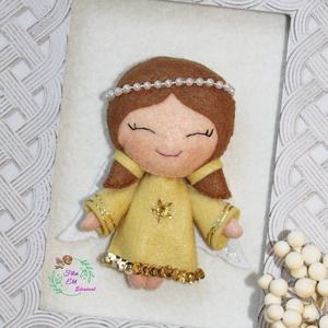 Arany Angyal, Otthon & Lakás, Karácsony & Mikulás, Karácsonyfadísz, Hímzés, Varrás, Aranyló díszes ruhájában szeli át az eget, hogy elrepülhessen hozzád. Kicsi sárga ruhát varrtam neki..., Meska