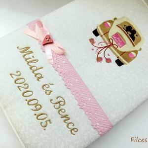 Esküvői fényképalbum -  textil hímzett fotóalbum, Esküvő, Emlék & Ajándék, Album & Fotóalbum, Varrás, Hímzés, Gépi hímzéssel készült esküvői fotóalbum. Természetesen bármilyen felirattal kérhető.\n\nA hímzés amer..., Meska