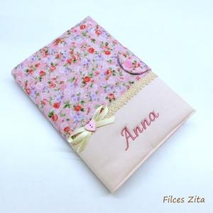 Rózsás napló - textil apró rózsás jegyzetfüzet hímzett névvel, Otthon & Lakás, Papír írószer, Jegyzetfüzet & Napló, Rózsaszín alapon rózsás amerikai pamut anyagból készítettem ezt a naplót . Gépi hímzéssel keresztnév..., Meska