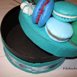 Páva torta macaronnal - tároló doboz (Filckucko) - Meska.hu