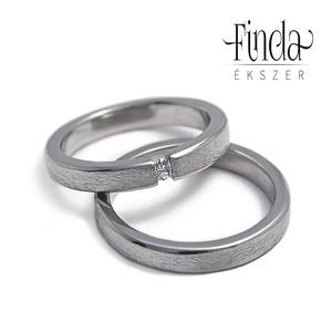 Rustic Slim karikagyűrű gyémánttal, Karikagyűrű, Ékszer, Esküvő, Ékszerkészítés, Ötvös, Nemesacél karikagyűrű gyémánttal, rusztikus felülettel, külső éltöréssel.\nA gyűrűk szélessége 3 mm, ..., Meska