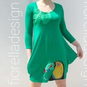 Fiorella �lzsebes / fűzöld ruha/ exotikus tukán - Meska.hu