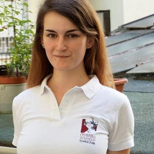 Női hímzett ingnyakú póló választható felirattal, mintával, Táska, Divat & Szépség, Ruha, divat, Női ruha, Póló, felsőrész, Hímzés, Választható színű és méretű pólóra készül a megrendelő által vágyott felirat, vagy minta. 10*10 cm-e..., Meska