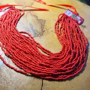 23! soros korall piros üveg gyöngy kaláris, Gyöngyös nyaklác, Nyaklánc, Ékszer, Gyöngyfűzés, gyöngyhímzés, 23 soros korall piros üveg kásagyöngyökből készült ez a kaláris népművészeti hímzett szalagra. Kivál..., Meska