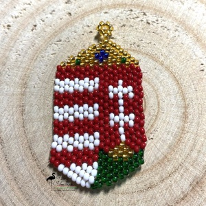 Gyöngyből fűzött címer kitűző/kokárda, Ékszer, Kitűző & Bross, Kitűző, Gyöngyfűzés, gyöngyhímzés, Minőségi üveg gyöngyökből készült gyöngyfűzött címer, mely kokárdaként is hordható, ruhára tűzhető\nM..., Meska