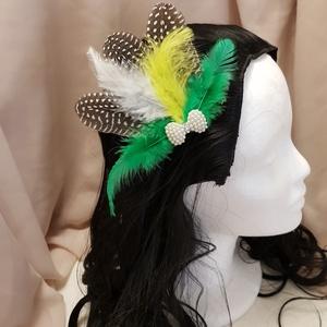 """FlapperBees \""""színkavalkád\"""" hajcsat, Esküvő, Hajdísz, ruhadísz, Táska, Divat & Szépség, Hajbavaló, Ruha, divat, Mindenmás, Harsány színek dominálnak ezen a feltűnő hajcsaton. \nMérete: 12 X 14 cm.\n\n, Meska"""