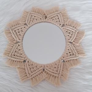 Mandala makramé tükör, Otthon & Lakás, Dekoráció, Tükör, Csomózás, Makramé technikával, 3 mm-es, 3 példányos, sodrott, újrahasznosított pamutfonalból készült, falra ak..., Meska
