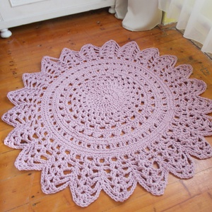 Csillag- Horgolt szőnyeg, Lakberendezés, Otthon & lakás, Lakástextil, Szőnyeg, Horgolás, Hálószobában, nappaliban is megállja helyét ez a pasztell lila, erős, vastag szőnyeg. Az átmérője 12..., Meska