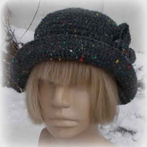 Csendes Este - Horgolt kalap (floare) - Meska.hu