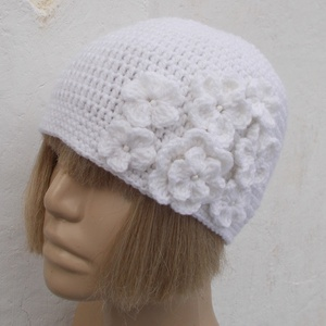 Fehér Csokor - Horgolt sapka (floare) - Meska.hu