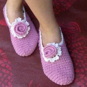 Emily - Horgolt mamusz, szobacipő, Mamusz & Házicipő, Cipő & Papucs, Ruha & Divat, Horgolás, Egy régebbi  szobacipőmet szívesen újragondolom.\nHasználható zokni nélkül szobában, vagy a hideg pad..., Meska