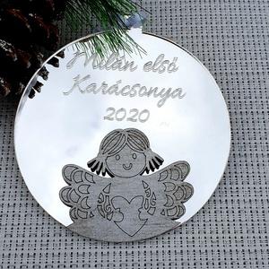 Karácsonyi dísz gravírozással - ezüst angyalka, Karácsony & Mikulás, Karácsonyfadísz, Famegmunkálás, Akril tükör karácsonyfadísz, amit általad megadott gravírozással készítek el. A tükör akril alapú, í..., Meska