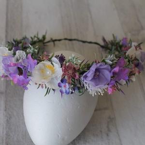 """""""Peace"""" virágkoszorú, hajdísz esküvőre, fotózásra , Táska, Divat & Szépség, Esküvő, Ruha, divat, Hajdísz, ruhadísz, Aprólékos kidolgozású sok kis apró selyem és művirágot tartalmaz ez a könnyed halvány lila árnyalata..., Meska"""