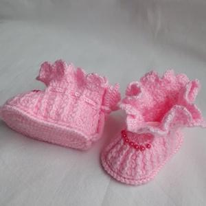Horgolt babacipő, Ruha & Divat, Babaruha & Gyerekruha, Babacipő, Horgolás,  Közép rózsaszínű horgolt cipőcske. My Baby nevű 100 % - os akril fonalból készítettem, 8 cm talp ho..., Meska