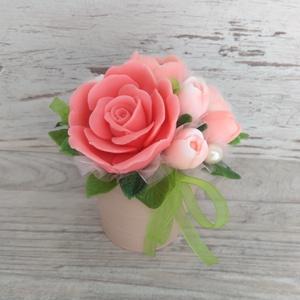 Csokor Barack-Rózsa  , Esküvő, Esküvői dekoráció, Otthon & lakás, Dekoráció, Csokor, Szappankészítés, Virágkötés, Barack árnyalatú szappan virágcsokor. \nA szappan virágokat én készítem és kötöm csokorba a fém vödör..., Meska