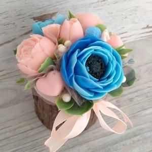 Csokor Kék-Kéreg , Esküvő, Esküvői dekoráció, Otthon & lakás, Dekoráció, Csokor, Szappankészítés, Virágkötés, Barack-kék színű szappan virágcsokor. \nA szappan virágokat én készítem és kötöm csokorba a fakéreg k..., Meska