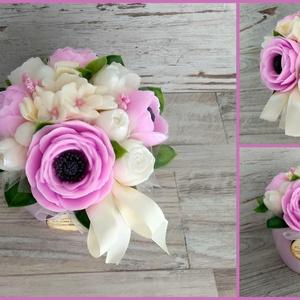 Szappan Csokor rózsaszín kerámia kaspóban , Esküvő, Esküvői dekoráció, Otthon & lakás, Dekoráció, Csokor, Lakberendezés, Virágkötés, Szappankészítés, Szappan virágcsokor. \nA szappan virágokat én készítem és kötöm csokorba a kerámia kaspóba.\nA csokor ..., Meska