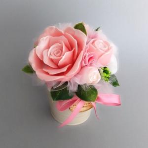 Szappan Csokor Rózsaszín-Rózsa  , Esküvő, Esküvői dekoráció, Otthon & lakás, Dekoráció, Csokor, Táska, Divat & Szépség, Szépség(ápolás), Krém, szappan, dezodor, Szappankészítés, Virágkötés, Rózsaszín árnyalatú szappan virágcsokor. \nA szappan virágokat én készítem és kötöm csokorba a fém vö..., Meska