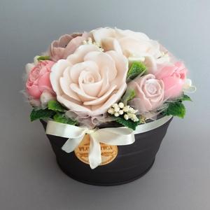 Szappan Csokor Nagy tálban , Csokor & Virágdísz, Dekoráció, Otthon & Lakás, Szappankészítés, Virágkötés, Szappan virágcsokor. \nA szappan virágokat én készítem és kötöm csokorba a fém tálkába.\nA csokor legn..., Meska