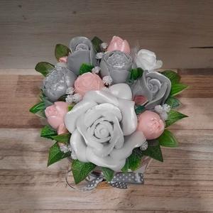 Szappan Csokor Rózsa Dézsa, Otthon & Lakás, Dekoráció, Csokor & Virágdísz, Szappankészítés, Virágkötés, Szürke-Sárga árnyalatú szappan virágcsokor. \nA szappan virágokat én készítem és kötöm csokorba a kör..., Meska