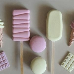 Kerámia dekor fagyi édesség szett, Otthon & Lakás, Dekoráció, Kerámia, Virágkötés, Kerámiaporból készült kézzel festett fagyi édesség szett egy csomagban. A csomag tartalma 8 darab...., Meska