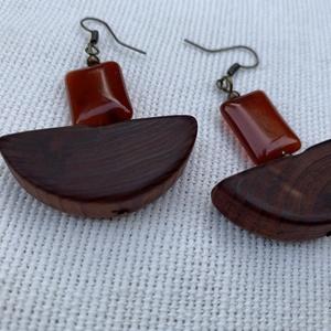 Karneol és cédrusfa fülbevaló (fngy) - Meska.hu