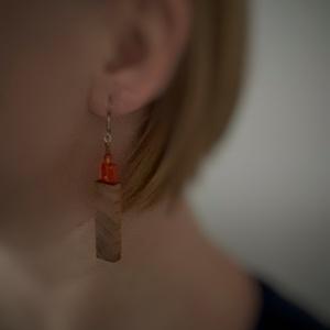 Gyümölcsfa narancs színű négyzetes üveggyönggyel fülbevaló - ékszer - fülbevaló - lógó fülbevaló - Meska.hu