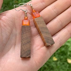 Gyümölcsfa narancs színű négyzetes üveggyönggyel fülbevaló - Meska.hu