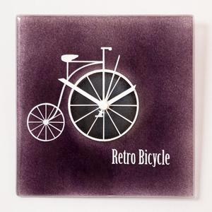 Retro bicycle óra, Otthon & lakás, Dekoráció, Lakberendezés, Falióra, óra, Üvegművészet, Kemencében olvasztott színes-üveg óra.\nMérete:24x24cm\nAz akasztója a szerkezeten található.\nAz óra s..., Meska