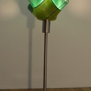 Zöld lámpa, Otthon & lakás, Dekoráció, Lakberendezés, Lámpa, Hangulatlámpa, Asztali lámpa, Üvegművészet, Kemencében olvasztott színes-üveg lámpa.\nMinden lámpám egyedi tervezésű.\nMérete:50x20cm, Meska