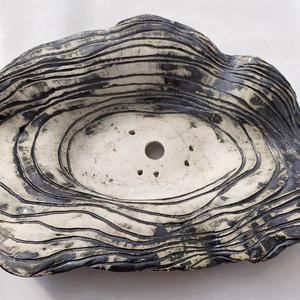 Kurama lapos bonsai tál , Otthon & Lakás, Ház & Kert, Kerámia, Fehér agyagból készült (fél-porcelán) nagy, lapos tál.\nA fehér agyag tömörsége miatt fagyálló.\nTextú..., Meska