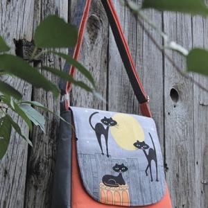 Holdfényes szerenád- cicás táska, Táska & Tok, Kézitáska & válltáska, Varrás, Bohókás vidám táska,cica és telihold rajongóknak.\nMindennapi használatra szánt vagány táska.A táskán..., Meska