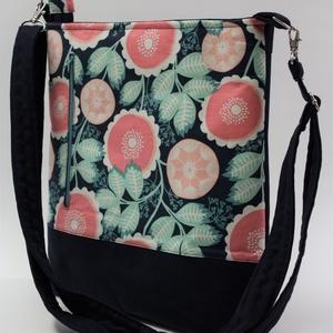 Játékos gránátalmák-táska,hátizsák, Táska & Tok, Variálható táska, Mélykék bársonyos tapintású szövet és egy csodás amerikai textil találkozása egy táskán,amit akár há..., Meska