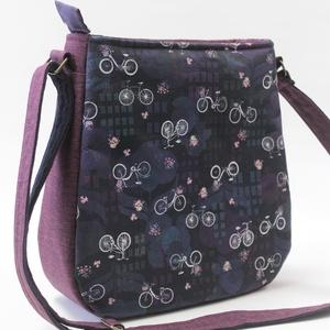 Padlizsán táska városi bringásoknak, Táska & Tok, Kézitáska & válltáska, Vállon átvethető táska, Vagány válltáska városi bringás mintával. Az előlap csodás amerikai textil. A sötétkék és lila árnya..., Meska