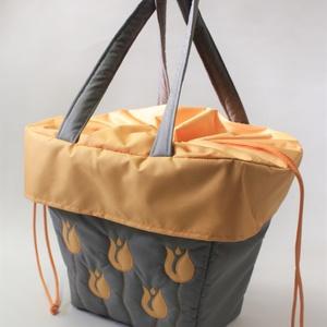 Szürke sárga tulipános biciklis táska, Táska & Tok, Bevásárlás & Shopper táska, Varrás, Kerékpáros kosárba tehető praktikus bevásárlótáska. Vízlepergetős anyagból készül,mérsékelten ellená..., Meska