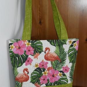 Flamingók zöldben, Válltáska, Kézitáska & válltáska, Táska & Tok, Varrás, Flamingó mintás és zöld bútorvászon kombinációjából készült jó tartású, egyszerű szabású táska szaba..., Meska