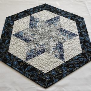 Kék csillag, Otthon & Lakás, Konyhafelszerelés, Terítő, Ezüstözött és aranyozott, minőségi patchwork anyagokból (Robert Kaufman - Holiday Flourish, Fusion, ..., Meska