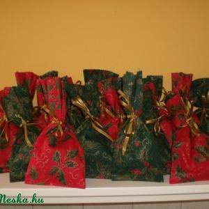 Adventi naptárhoz zsákocskák , Otthon & Lakás, Karácsony & Mikulás, Adventi naptár, Varrás,  \n A 24 darab zsákocska apró ajándékok elrejtésére szolgál. 10 X 12 cm-esek. Aranyszínű szaténszalag..., Meska
