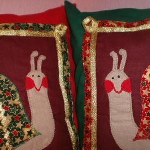 Lasssan itt a karácsony!!! Csigabigás díszpárnahuzatok ajándék párnatöltettel!!! , Lakberendezés, Otthon & lakás, Dekoráció, Karácsonyi, adventi apróságok, Ünnepi dekoráció, Gyerek & játék, Varrás, Patchwork, foltvarrás,   Ugye egész évben a karácsonyt várod?...\n...és a Te csemetéd is azt szeretné, ha két csiga őrizné a..., Meska